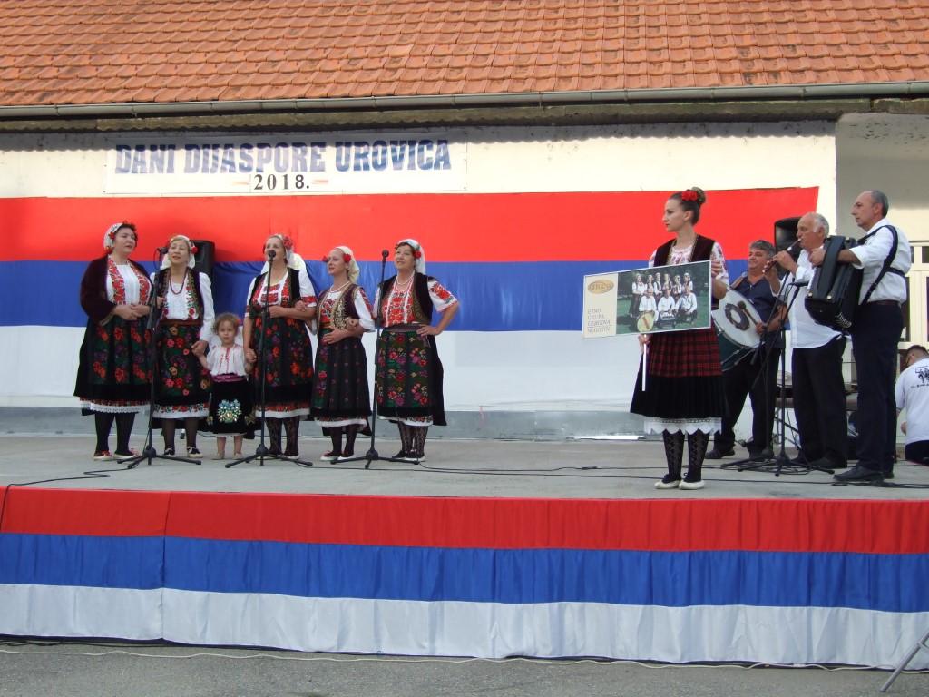 Слика бр.4- наступ на Сабору дијаспоре у Уровици